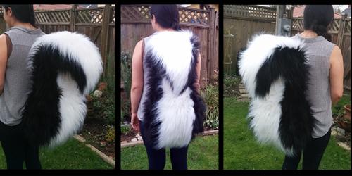 Upright Skunk Tail Weasyl
