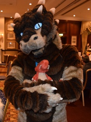 [Cfz2015] Safe in my fluffy arms