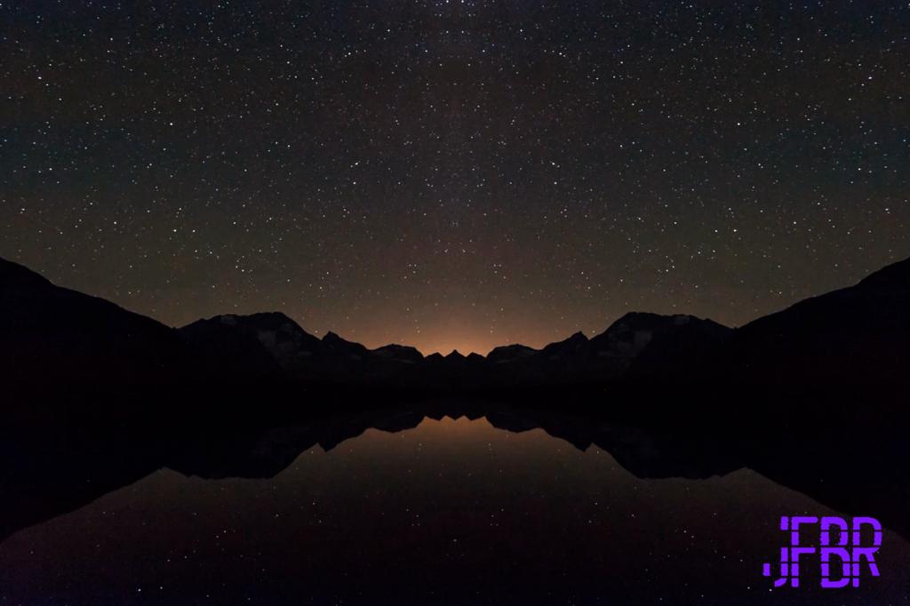 Most recent image: Mirrored Desktop theme