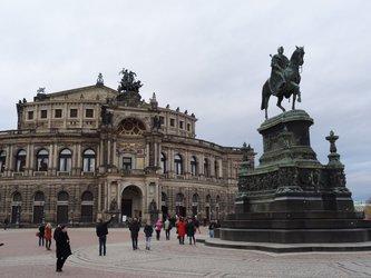 Autumn in Dresden - Theaterplatz