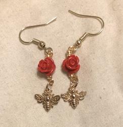 [Comm] Red Rose Bead Bronze Bee Earrings