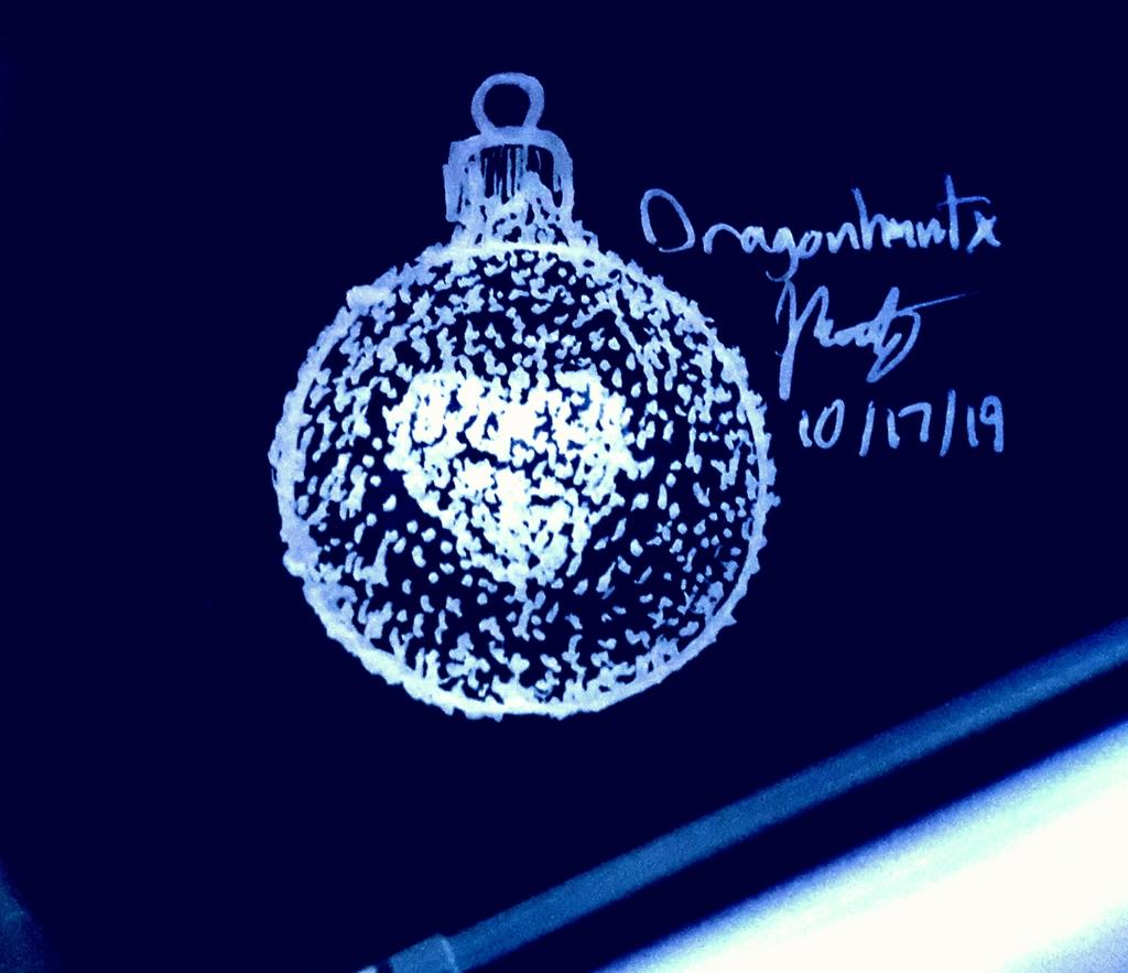 Inktober 2019 - Day 17 'Ornament'