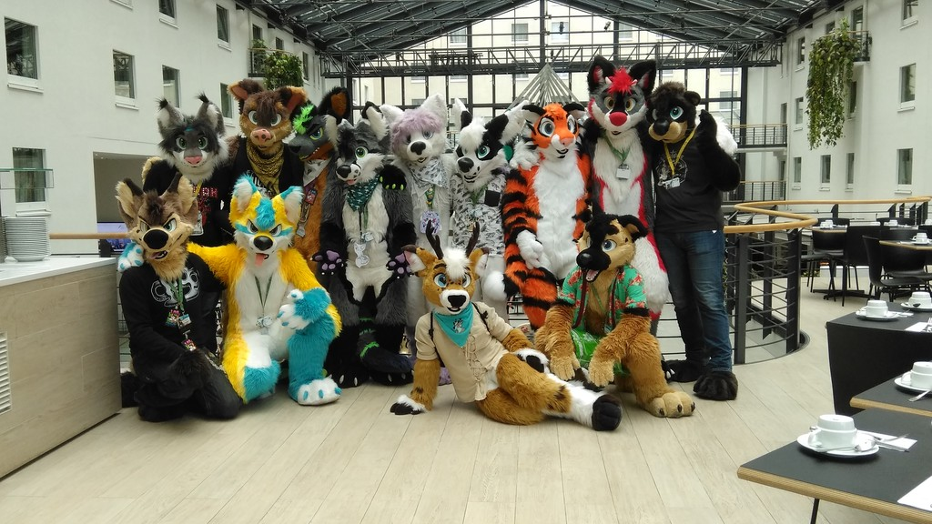 Most recent image: Fursuit Photoshooting 1