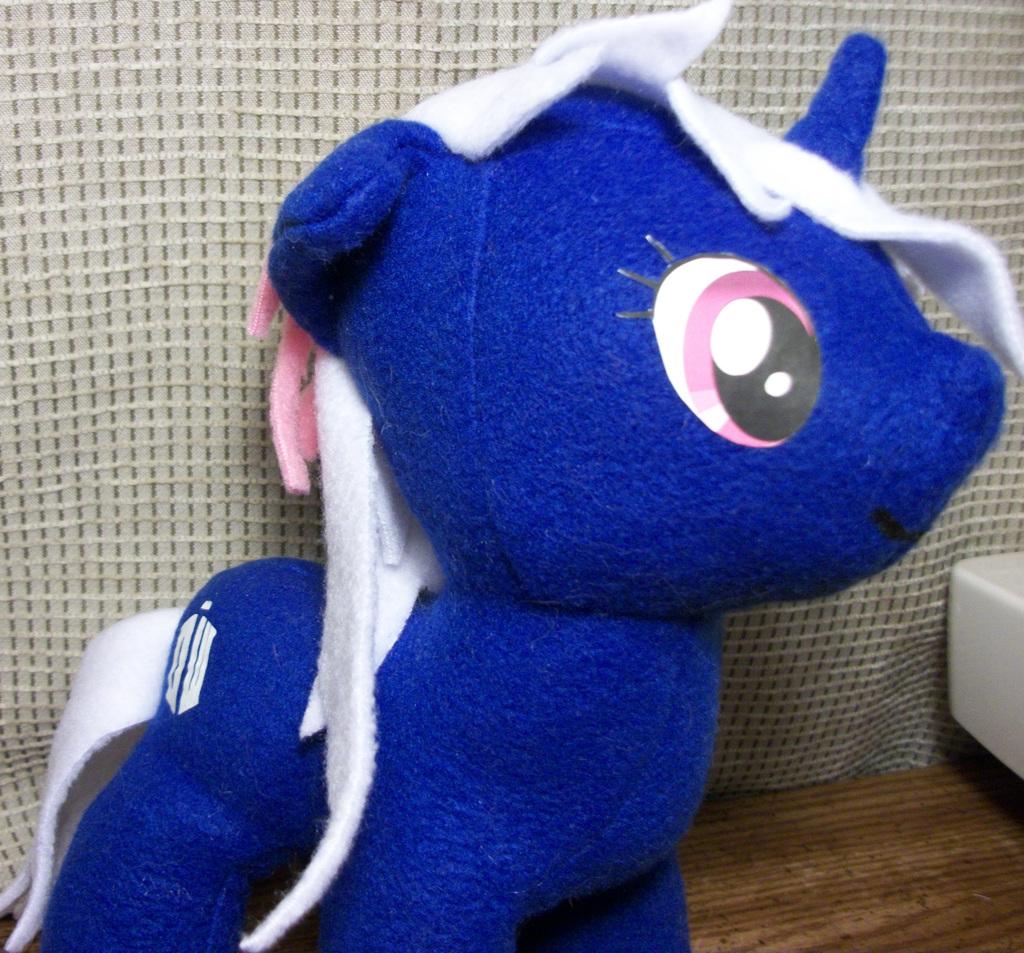 TARDIS pony plush