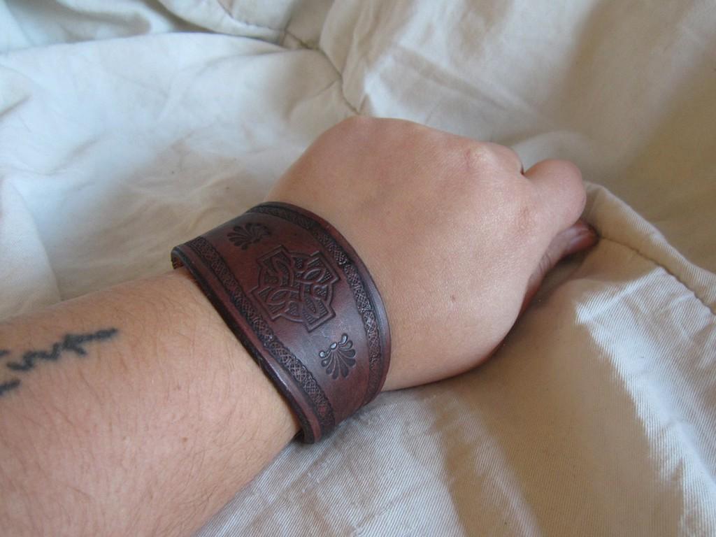 Featured image: Celtic Bracelet