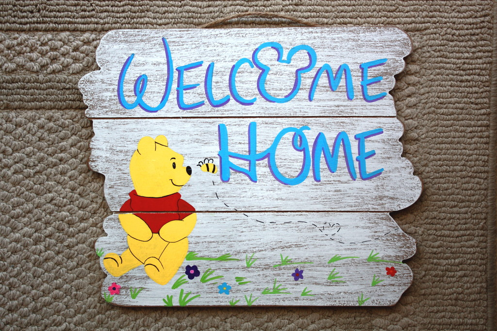 pooh welcome sign
