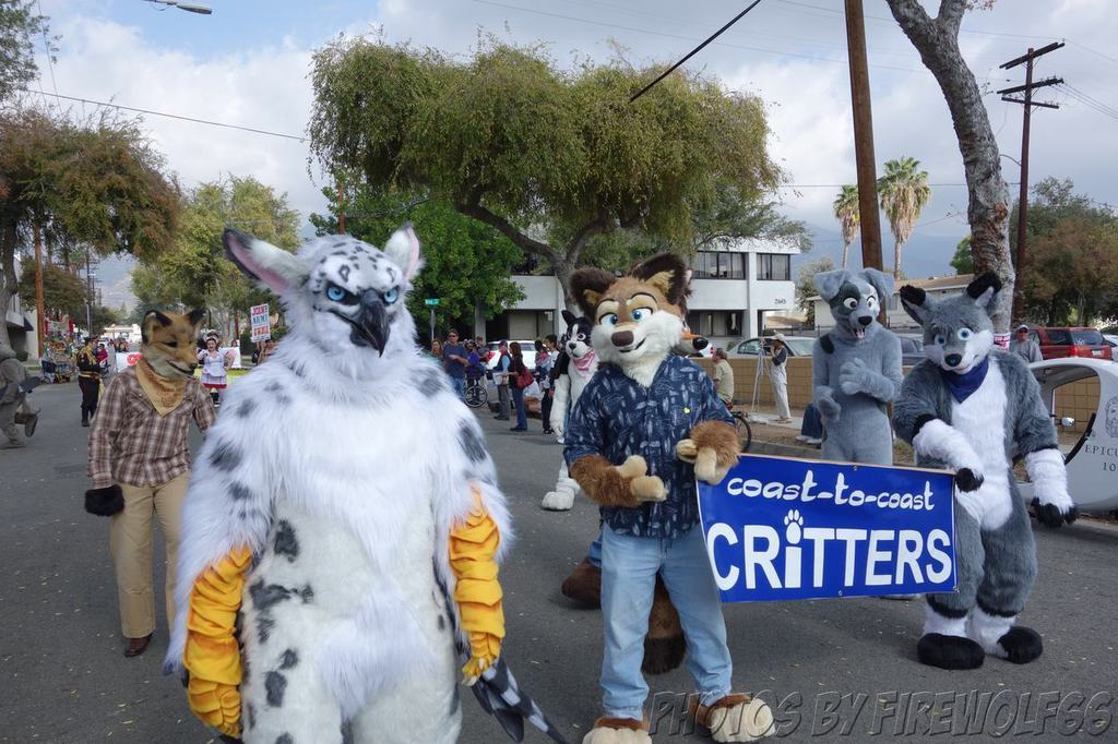 Coast to Coast Critters with White Gryphon (Pasadena Doo-Dah Parade 2014)