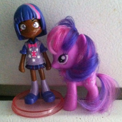Twilight Sparkle Pinky Street Figurine