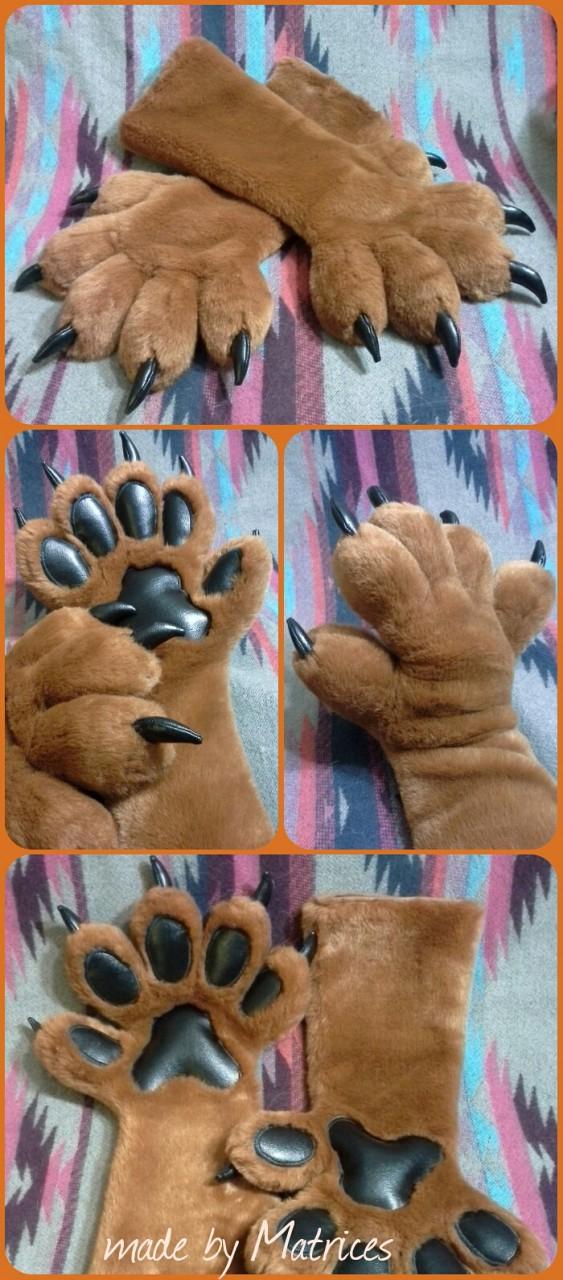 Jada's Handpaws
