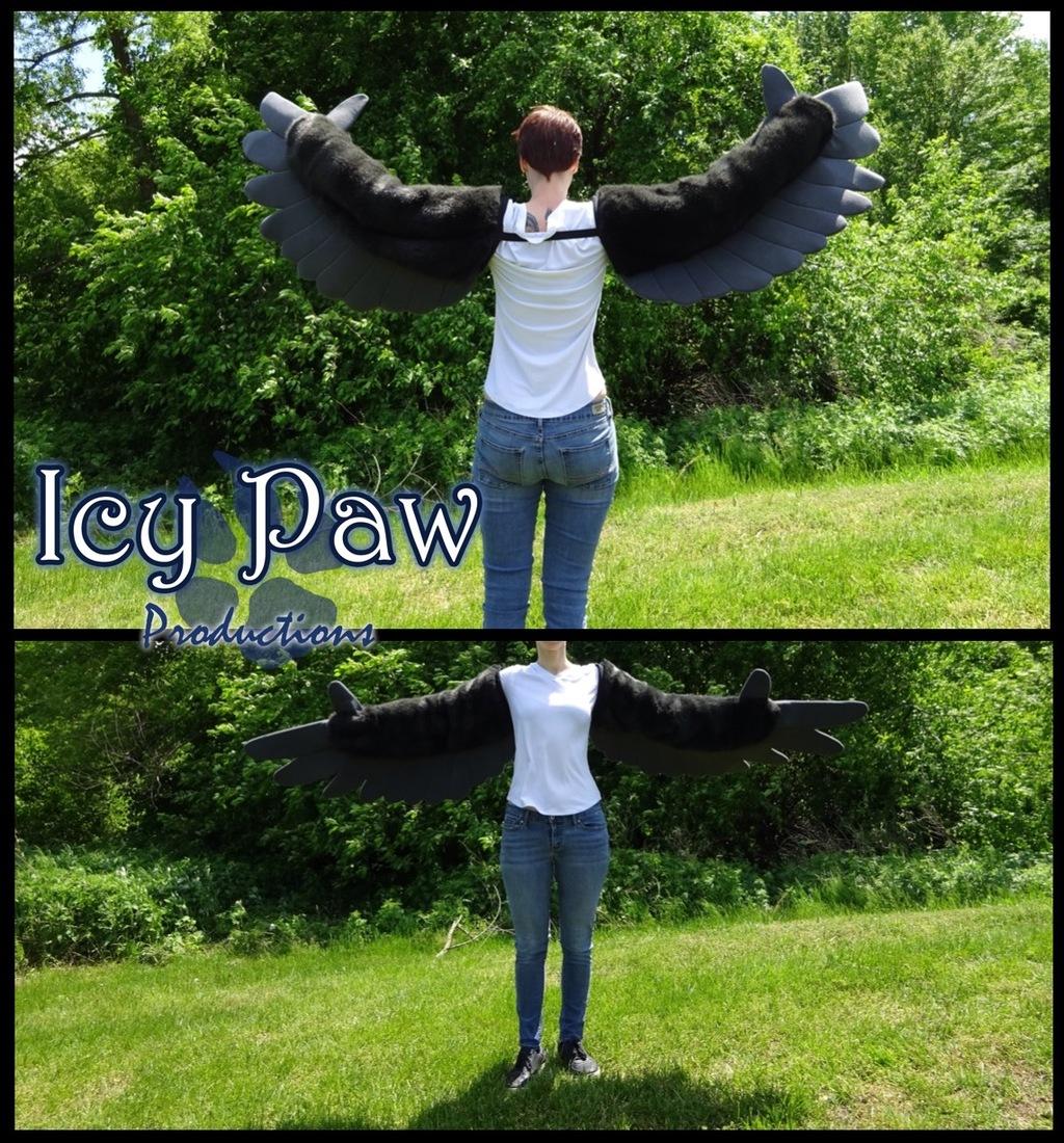 Black/grey arm wings