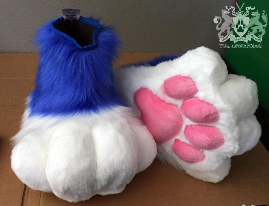 Aqua Lynx Feet