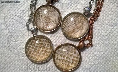Snakey pendants~