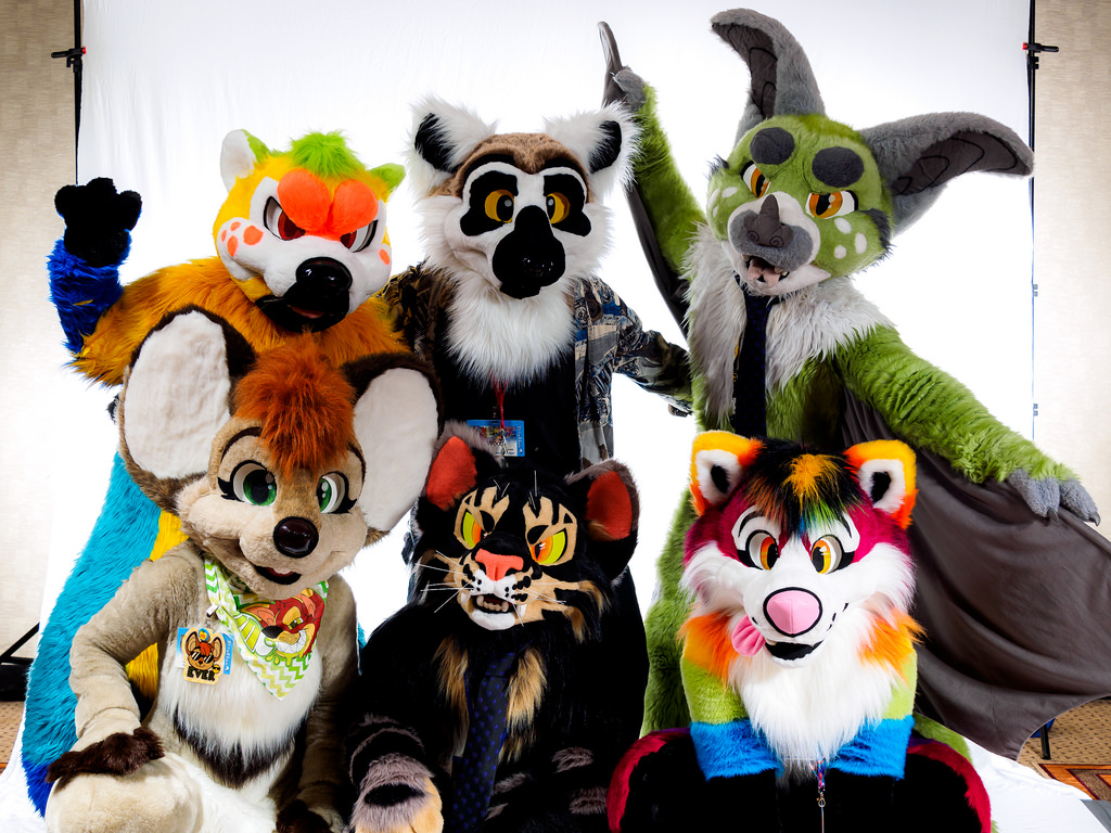 FurTheMore 2016 - AutumnFallings Family Photo