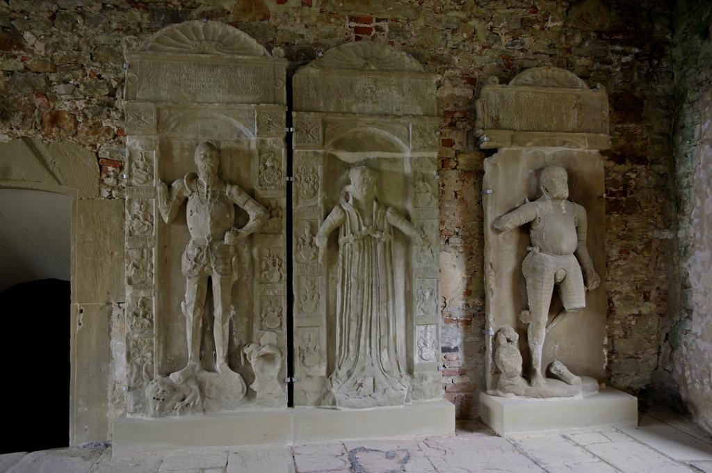 Most recent image: Burg Hornberg 3