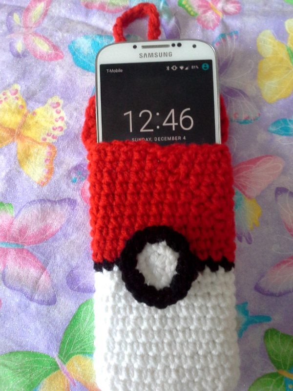 Most recent image: Pokeball Cellphone Cozy