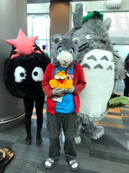 Peter meets his neighbor Totoro (Fanime'19)