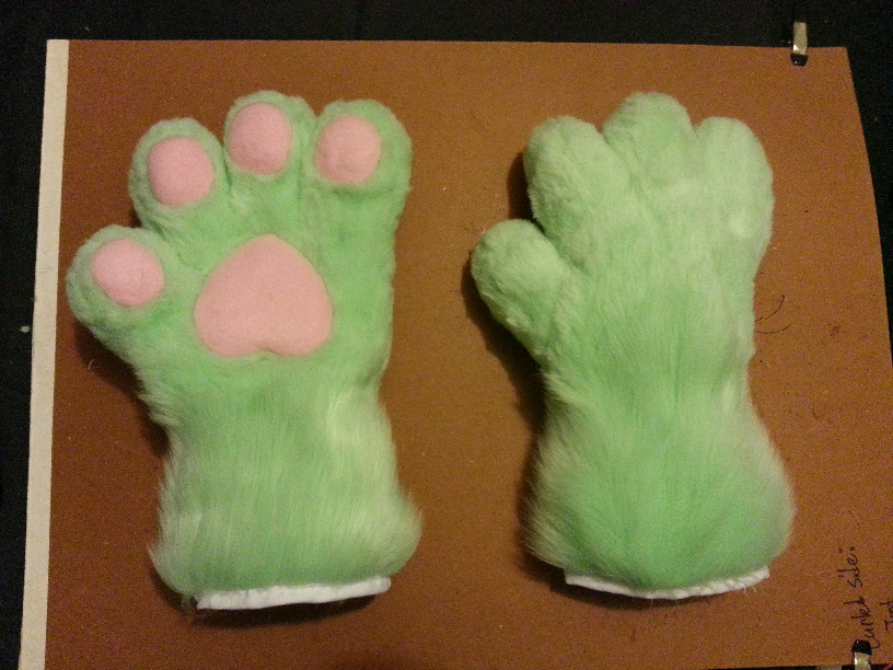Boi's Suit WIP - Puffy Paws!