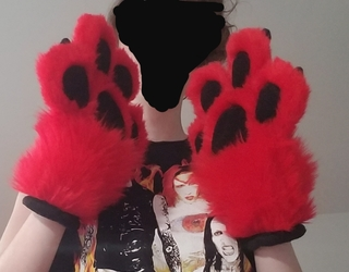 Red Toony Paws (Side)