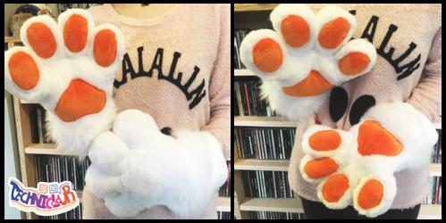 White Handpaws With Orange Pawpads