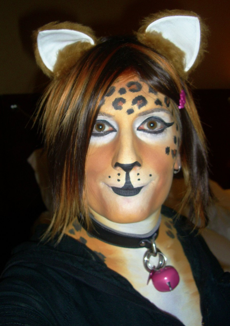 Tober leopard bodypaint and makeup at FAU5