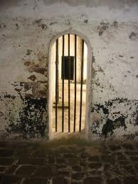 Featured image: Fancy PrisonBREAK