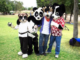 Fursuiting in Parque Metropolitano