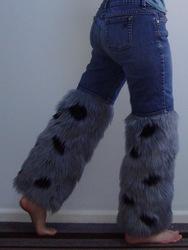Spotty cat legs