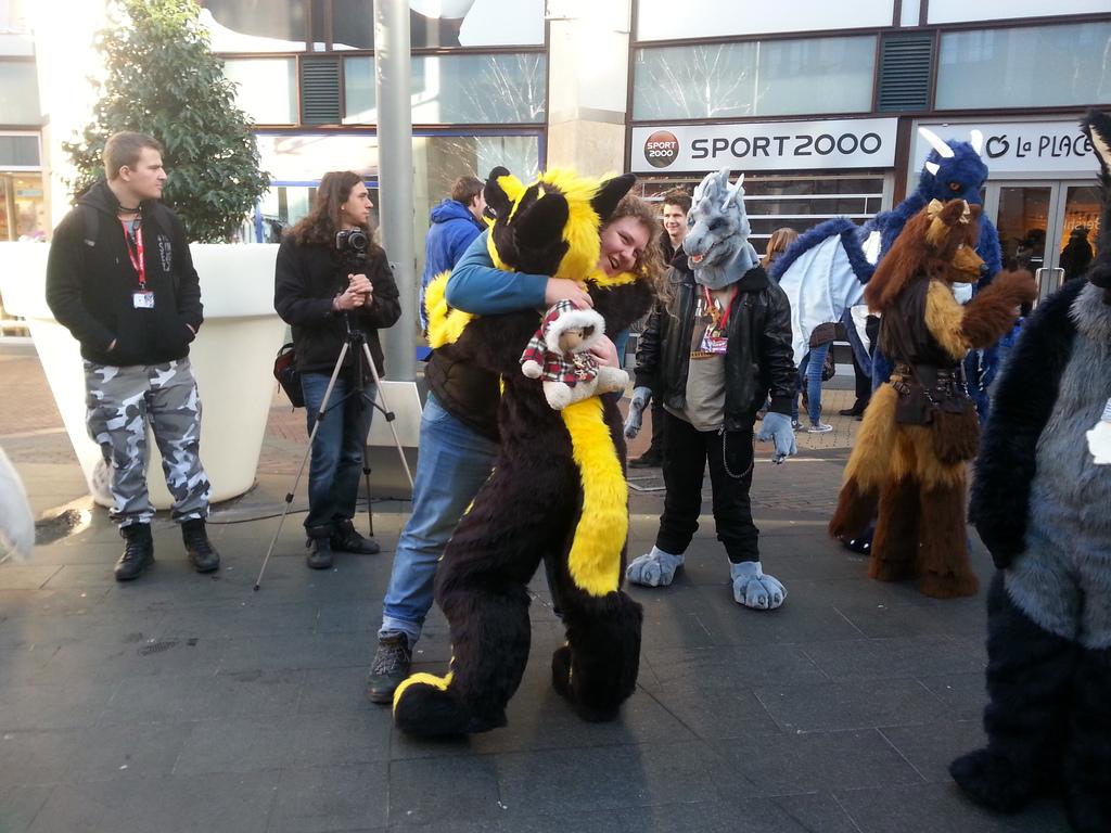 Most recent image: Aikoblake Hugging someone
