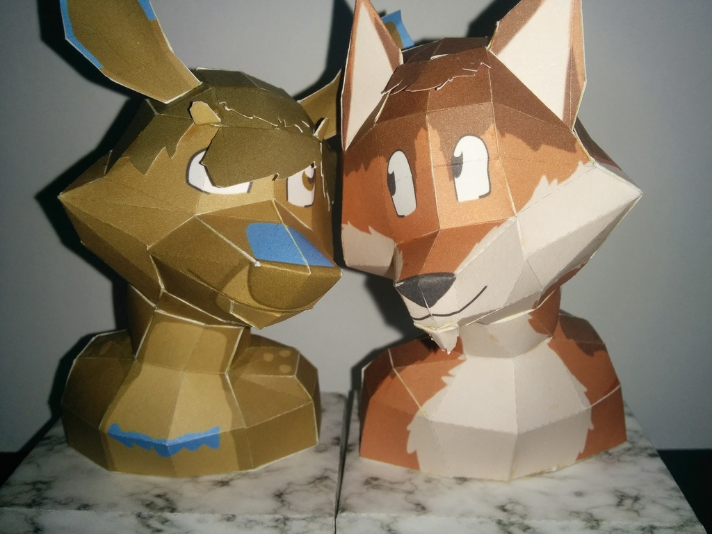 Most recent image: LikeAFox and LizCritter Papercraft