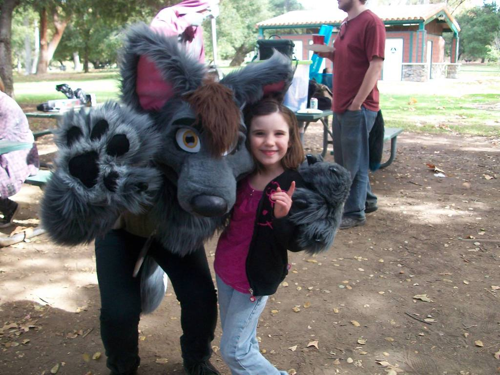 One of the best parts of fursuiting is making kids smile :)