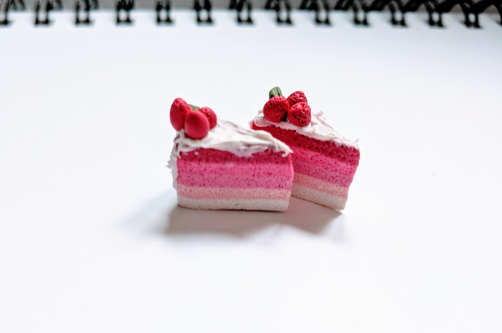 Strawberry Ombre Cake Charms