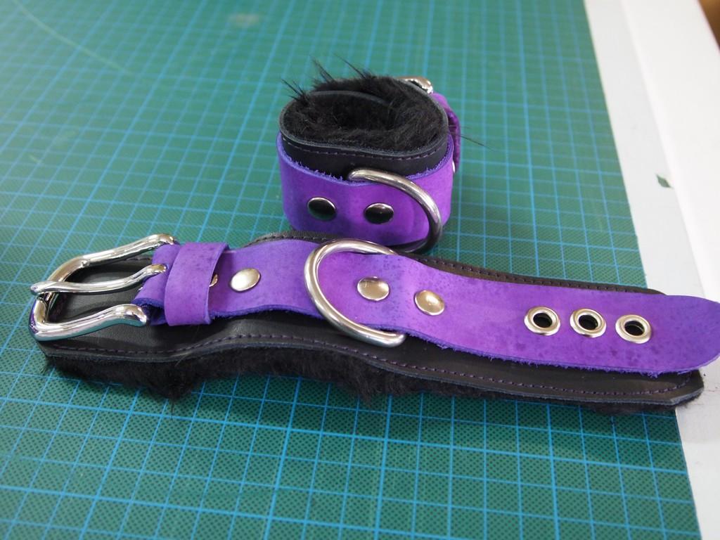 [com] bondage arm cuffs
