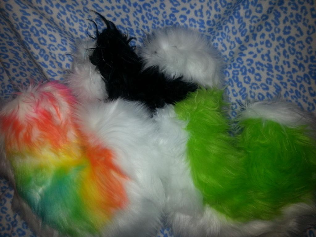 FurSuit Tails Example