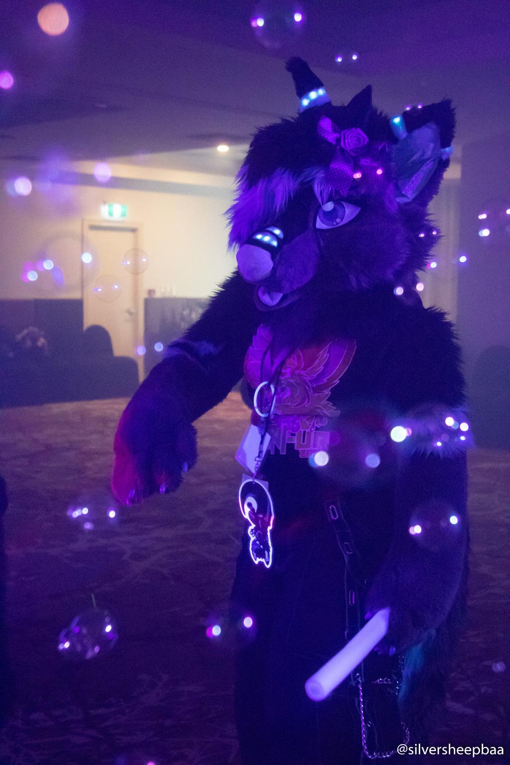 NeonFur 2018: Roxanne 3