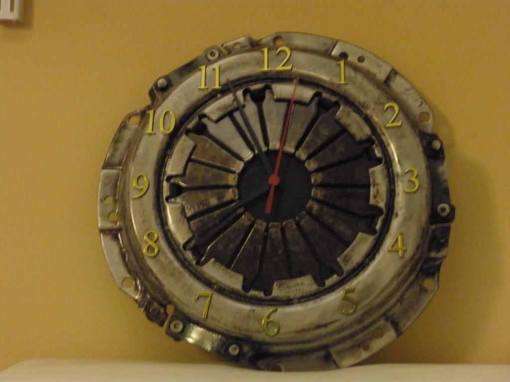 clutch clock
