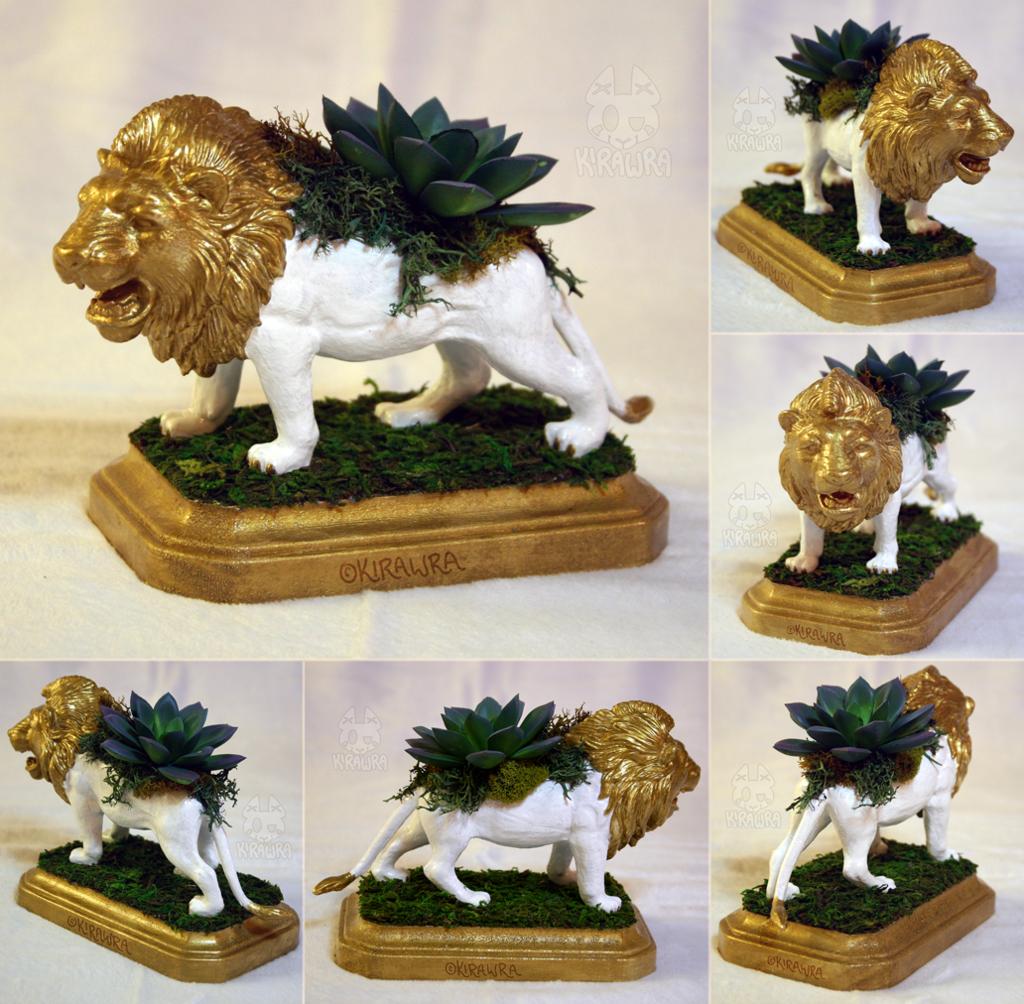 Lion Planter Centerpiece