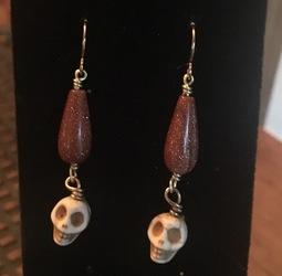 Buried Skulls Earrings