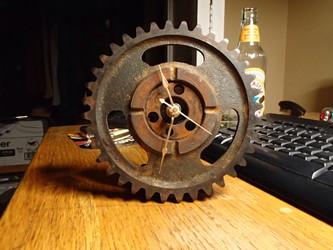 timing gear desk clock