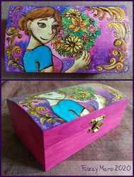 Bouquet of flowers -pyrography box