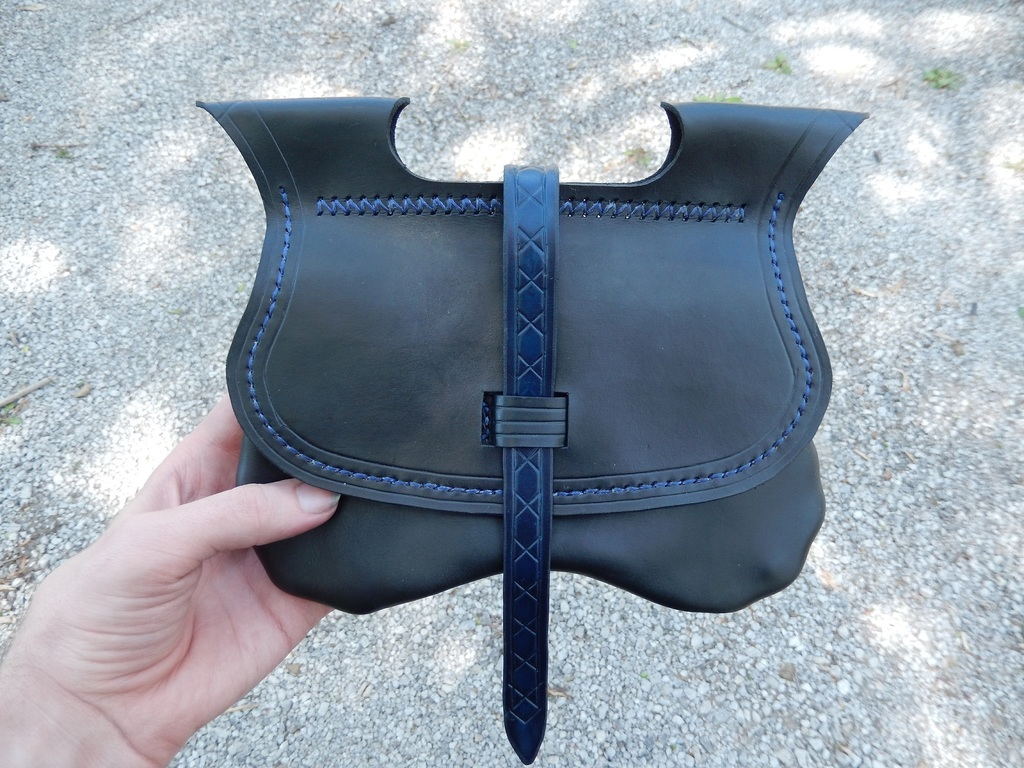 Leather Projects - Integrated Loop Pouch