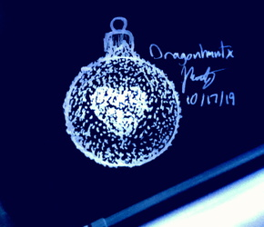 Inktober 2019 - Day 17 'Ornament'