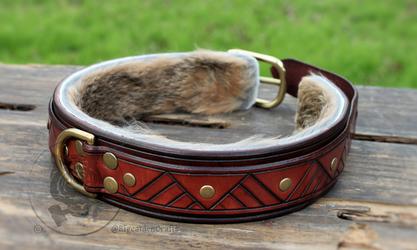 Engraved Mahogany & Dark Brown Collar