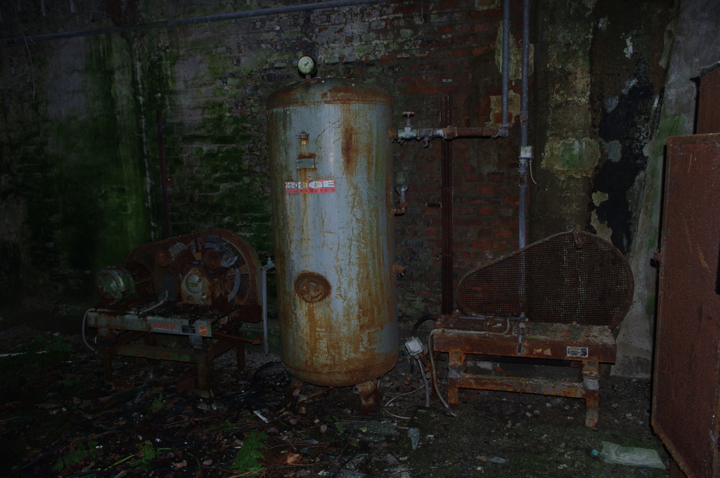 Most recent image: An abandoned factory 14