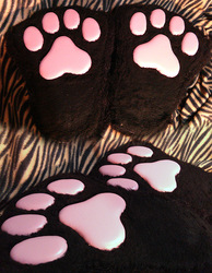 Upgraded paws with new type of pawpads