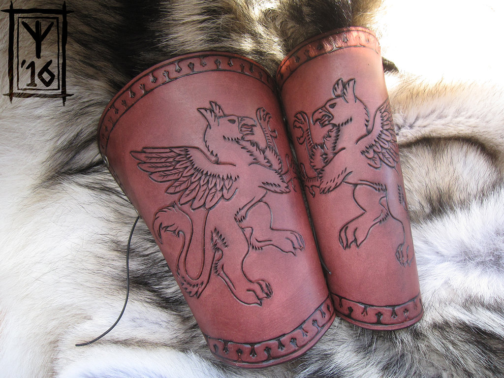Rampant Griffin Bracers