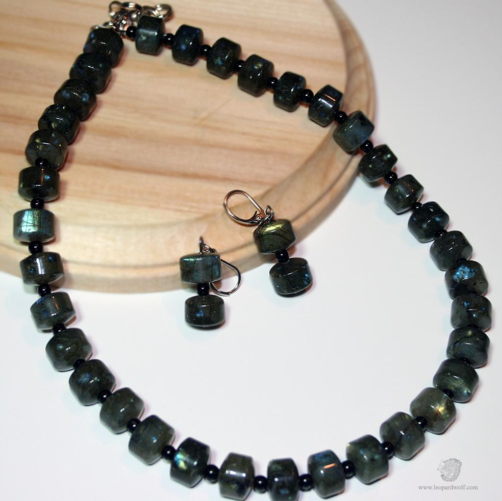 Featured image: Labradorite And Jet Jewelry Set