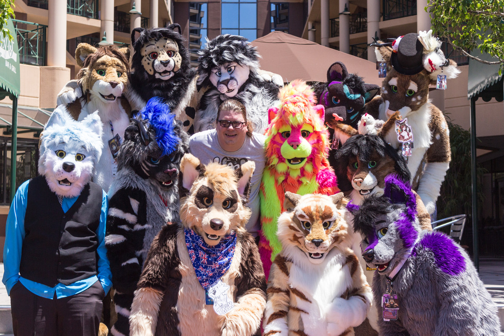 ConFurgence: ByCats4Cats Group Photo