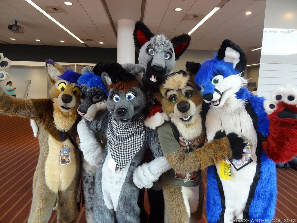 Anthrocon 2012: Cute Group Pic!