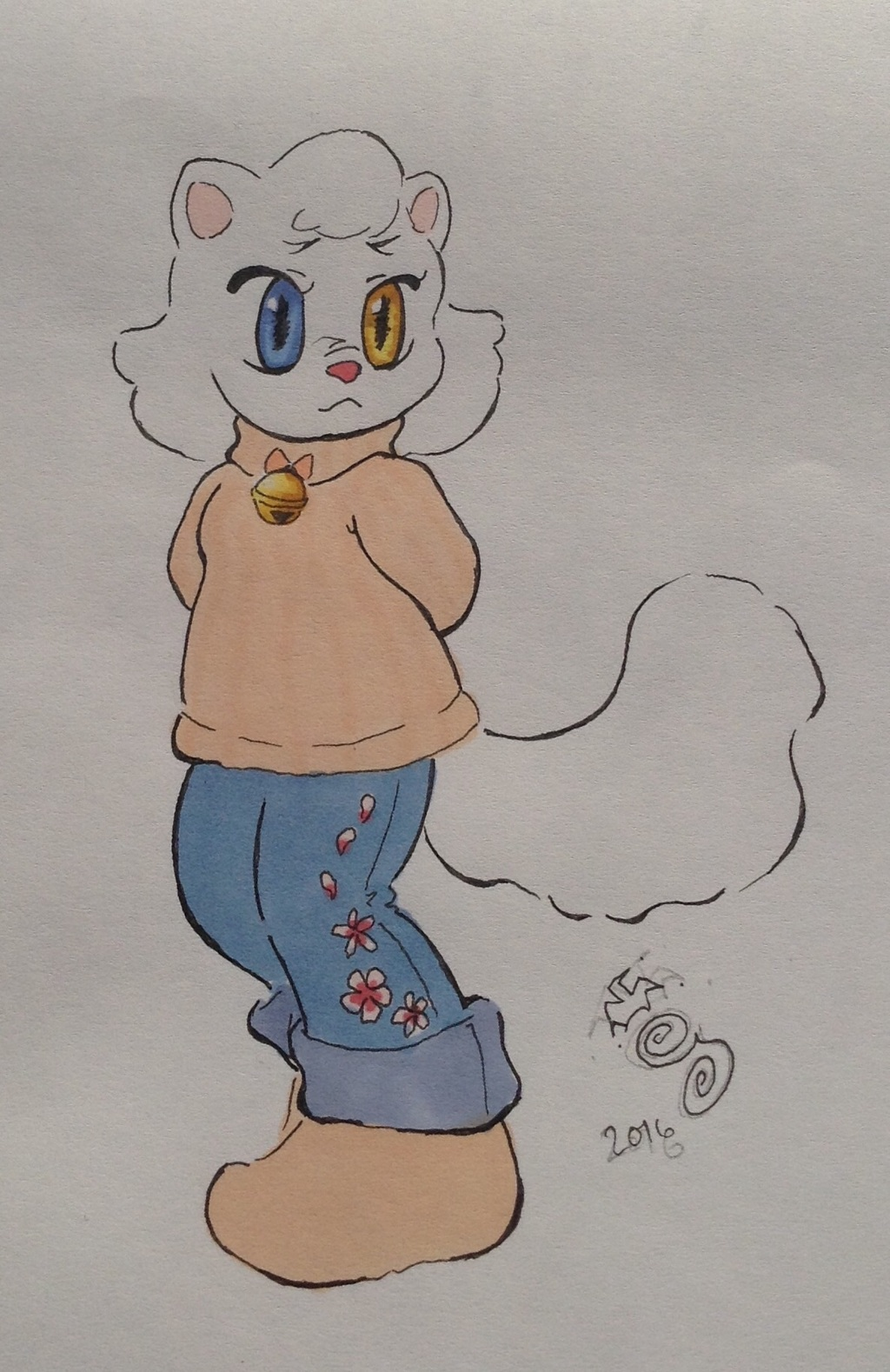 Most recent image: Oddeye kitty needs a name