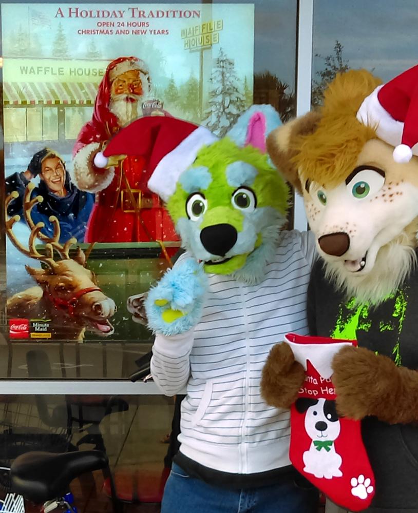 Waffle House Santa Selfie Contest 2015